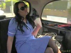 Grossi seni l'infermiere micio scopata a carrozza