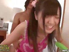 Delle ragazze japanese attaccata allettante bambina scuola school.avi