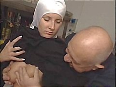 syster Dumcunt knullade på Paki butiken med Dirty old man