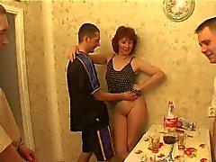 Hombres la mamá y del numerosas tienen sexuales en la cocina