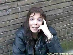 Holländisch Whore gefickt rau auf Couch