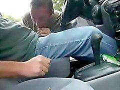 Nykiminen autossa