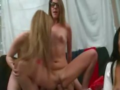 College goupsex copulating at the party