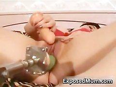 Kinky fica di MILF forato da suo feticismo part2