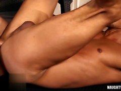Latina flip flop gay e sborrata