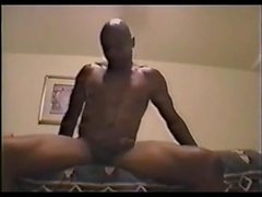 Amateur interracial threesome with double blowjob