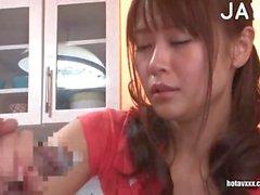 Les Babes asiatiques donne des Branlette et Responsable