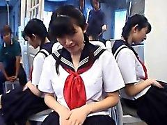 étudiant Kazuha Mizumori amours masturbant scolaire