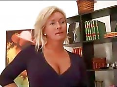 Dirty Jävla Blonde MILF