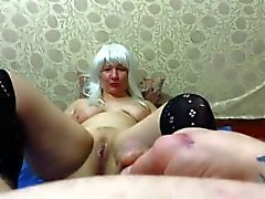 guy pissing on adult milf
