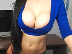 Hot creamyexotica flashing boobs on live webcam