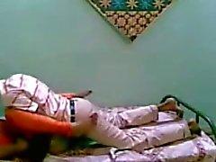 De fille indienne intelligente a obtenu baisant avec son mec
