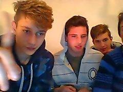 Quatro Str8 meninos italianos Ir para alegre , tem o divertimento na câmara (ou estão Homossexual ? )