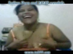 Andhra aunty giving blowjob for her boss in office