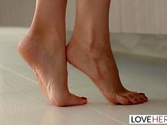 LoveHerFeet - Squirting Blonde Friend With Benefits
