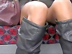 D'Upskirt Asie chatte sur métro