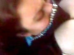 Mulher árabe com peitos enormes sendo fodida