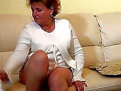 Harika gencin Lezbiyen babaanne mastürbasyon yapmak