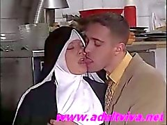 застенчивы европейского монахини трахают (по adultviva )