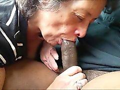 Amateur Oma essen ein black dick