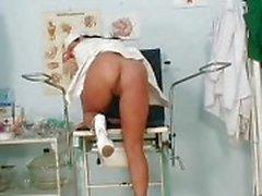 Big luonnollinen tissit Valentina Rush on tuhma sairaanhoitaja