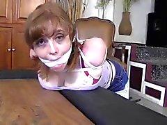baby sitter amarradas e amordaçado apegarás