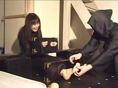 Japanilaisten jalan tickle11
