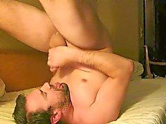 Masturba e Cumming nella bocca e deglutizione
