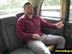 Deepthroating female cabbie caught fucking