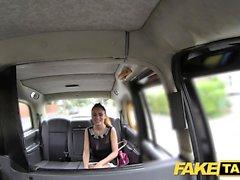 Fake Taxi Ottimo rumeno ottiene taxi facciale