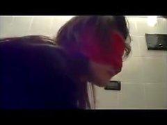 Sesso a tre in bagno