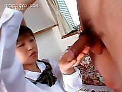 Main d'Asie et la Felations avec des d'écolière corné douce