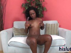 Kinky masturbation session with an ebony slut