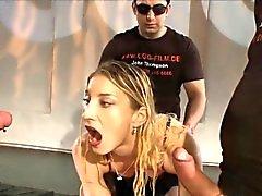 Dourado avalanche de banho mijada em prostituta