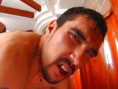 Argentinare tar ett bad tillsammans innan fan