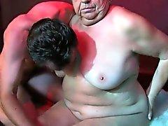 OldNanny Fett großer Oma einen Sex jungen Mann