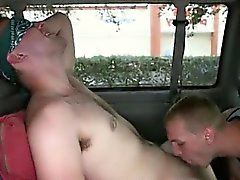 Teen Homosexuell Gangbangs Herrlich Day For Anal Sex On The Baitbus !