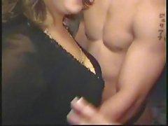 De aficionados CFNM - varón separador de en Latina del fiesta de Bachelorette Obtención de Handjobs y mamadas