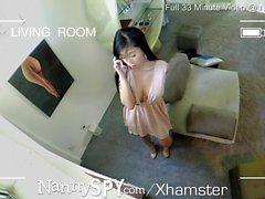 NannySpy Aasialainen babysitter Jade Kush kiinni antaa hierontaa