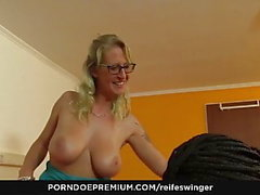 REIFE SWINGER - German girls sucking and fucking big cock