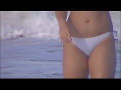 sexy espiègle Jeune Fille Asiatiques plage de espion 106 cul et cameltoe