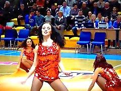 Chaudes Cheerleaders des la Russie de nuit Libertine