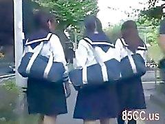 Nettes Schul Bus Geek 02 belästigte