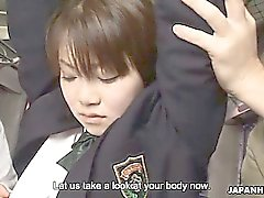 Japonca Kız öğrenci Yayoi Yoshino otobüse fucked uncesnored