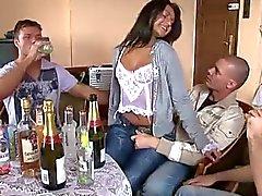 Vrouw met vrienden