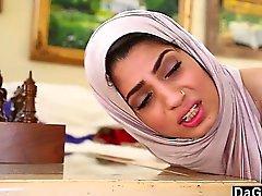 Dagfs Arabic del polluelo de a Nadia Ali gustos de blancos Gallo