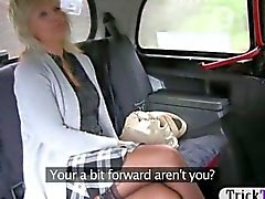 Taxi driver screwed a blonde mature cougar in the backseat