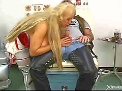 Tatuoitu Rocker Bangs Nurse With Giant Tits