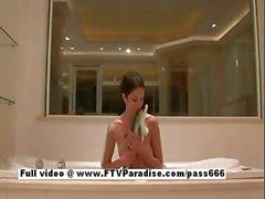 Suri funny amateur teen babe in bath