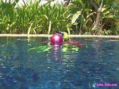 Vedenalainen seikkailua lateksi sukeltajaa
